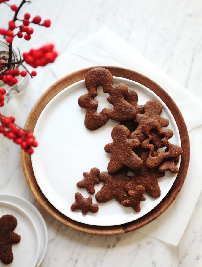 Healthy Holiday Gingerbread Cookies