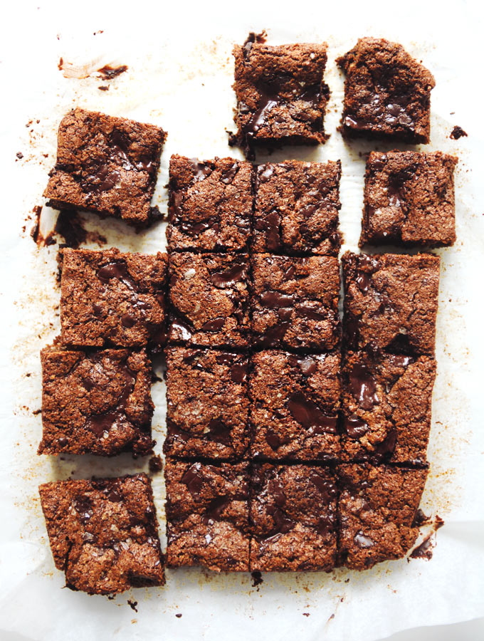Chocolate Chunk Nut Butter Blondies // My New Roots