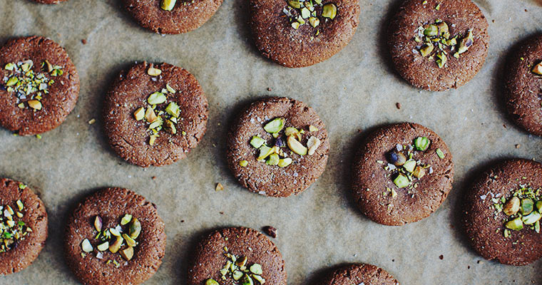 Grain-free Holiday Tahini Cookies, 2-ways + A Gift Guide